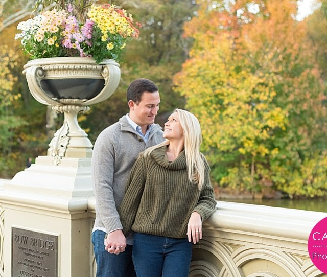 Kelly Picked The Perfect Weekend For Her And Andrews Engagement Session In Central Park The Leaves Were So Bright And We Could Still Walk Around The Park