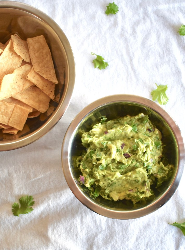 5 ingredient guacamole bowl with chips