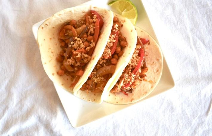chickpea fajita sheet pan tacos