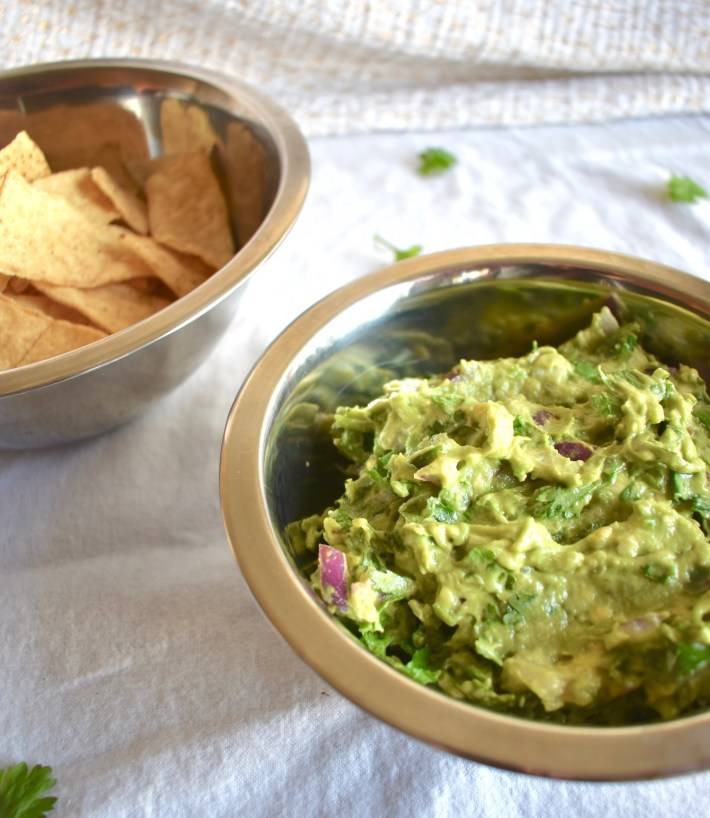 easy fresh guacamole bowl