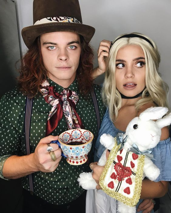 duo halloween costumes Alice and mad hatter