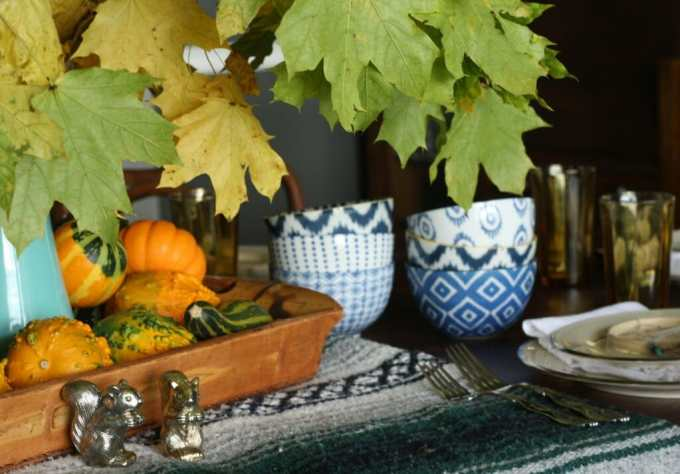 thanksgiving table with blues, natural touches, bohemian