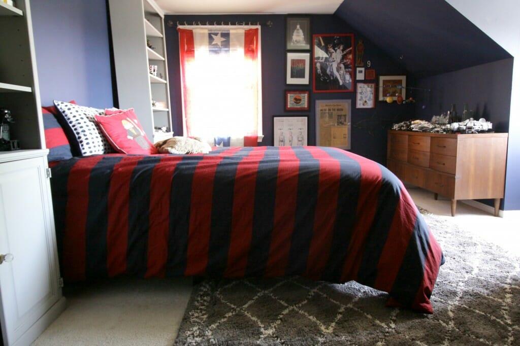 Gray Moroccan Style Rug in Navy Boys Room
