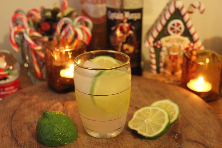 cheeky christmas cocktails by cassiefairy ginger fizz with rum and lime