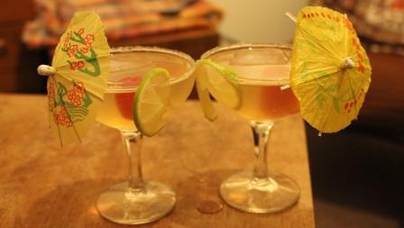Disarono sours drink cocktail recipe