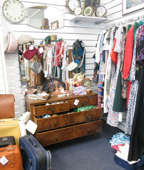 cassiefairy article charity shop vintage and retro rail