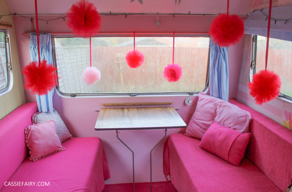 My vintage caravan ~ DIY pom-pom decorations