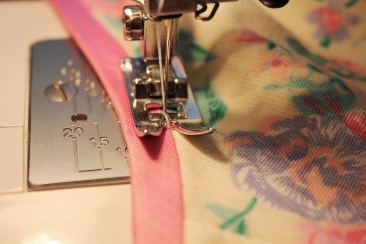 stretch bias binding top stitching sewing project