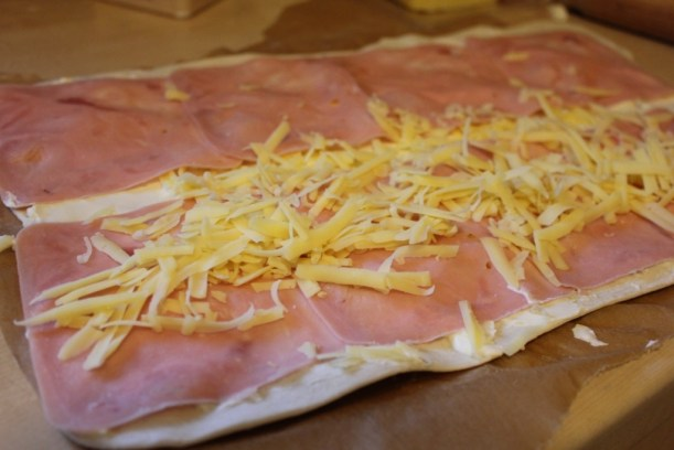 pieday friday blog receipe for cheese and ham snack rolls