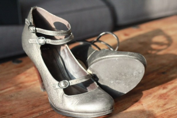 tuesday shoesday pretty silver dolly shoes