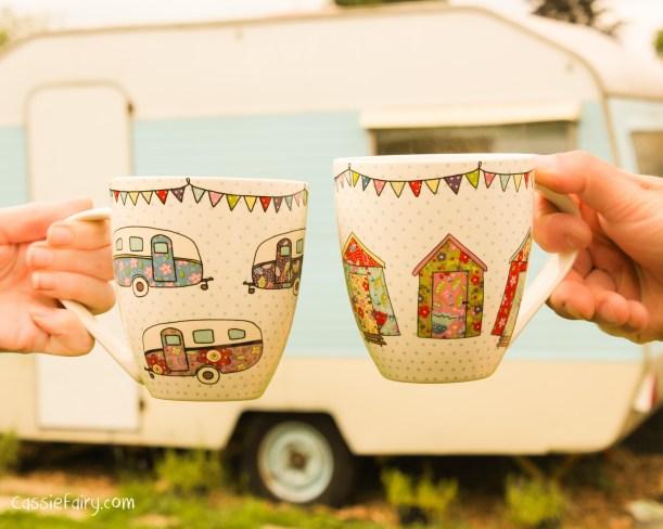 His n Hers mugs from The Caravan Trail