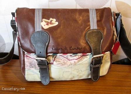 Whats in blogger Cassiefairys handbag-1