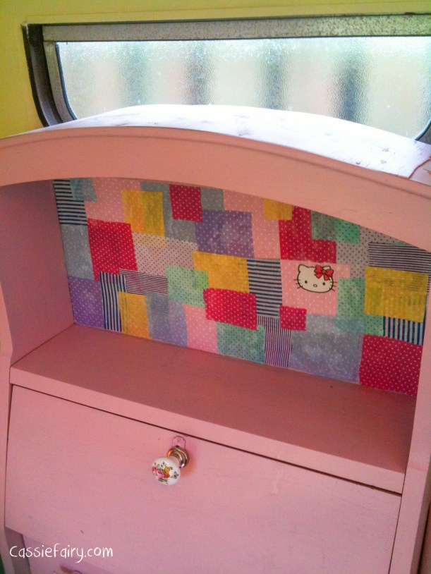 DIY decoupage patchwork fabric to renovate an old desk-3