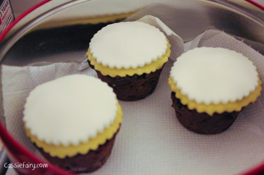 recipe for baking mini wedding cakes-6