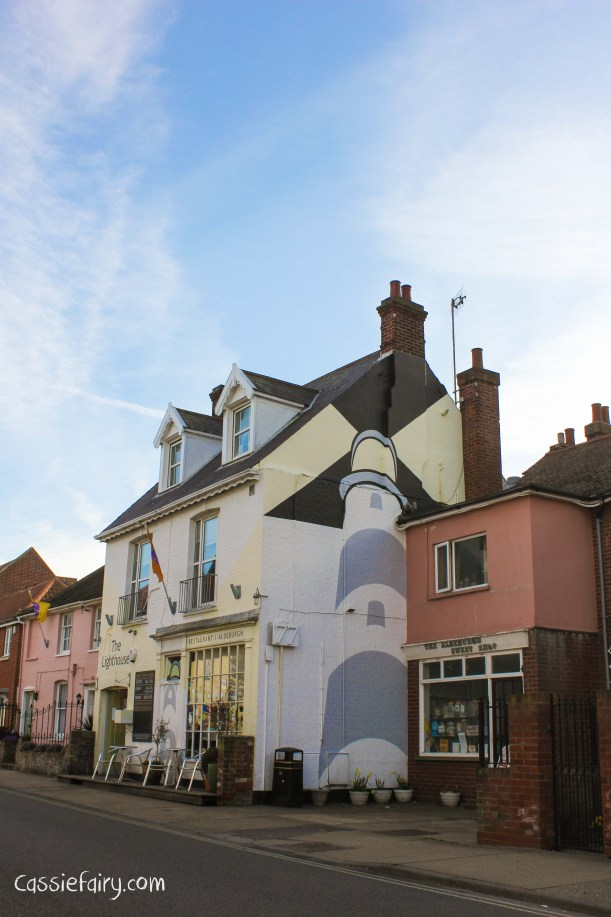 Photos of the coast - painted buildings-2