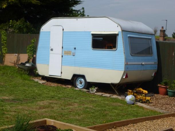 cassiefairy - my little vintage caravan
