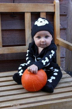 Halloween costumes for all the family_-5