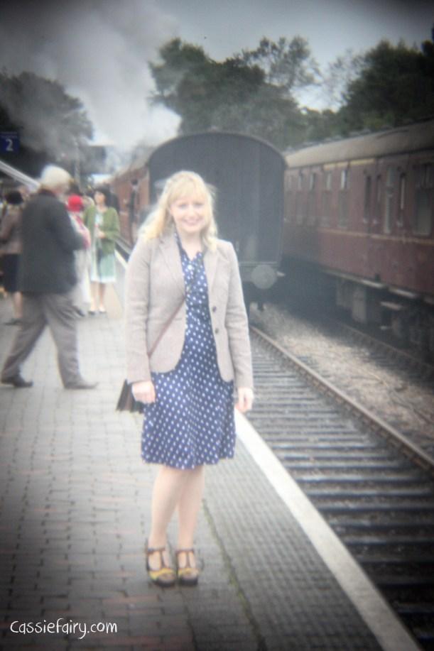 steam railway 40s weekend and vintage fashion-2