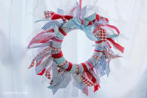 DIY fabric wreath for Christmas - step by step tutorial-9