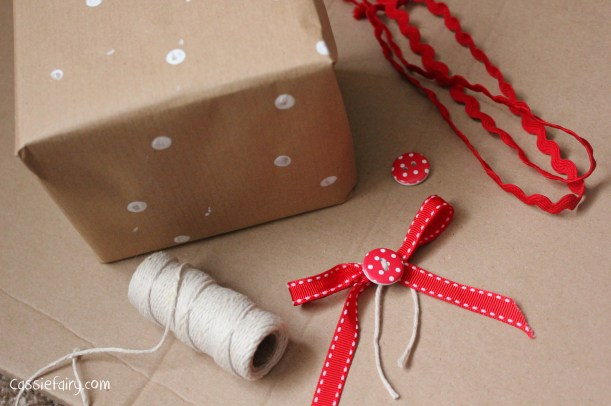 DIY homemade vintage christmas gift wrapping techniques_-17