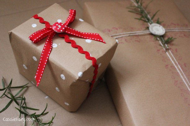DIY homemade vintage christmas gift wrapping techniques_-22