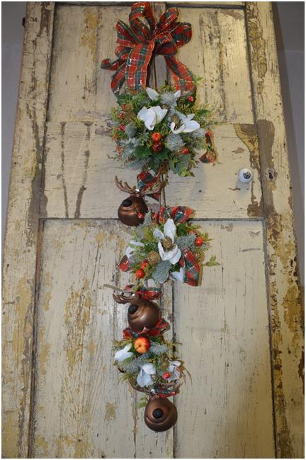 country baskets door hanging