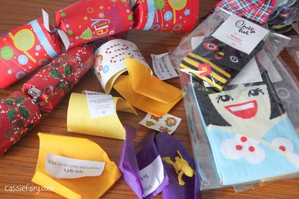homemade DIY festive crackers for christmas-2