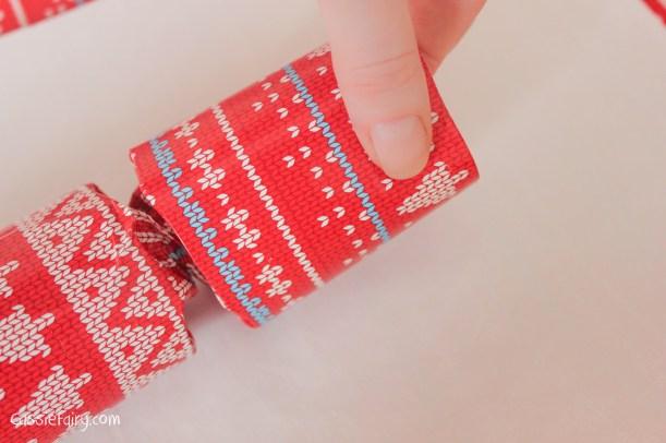 homemade DIY festive crackers for christmas-8