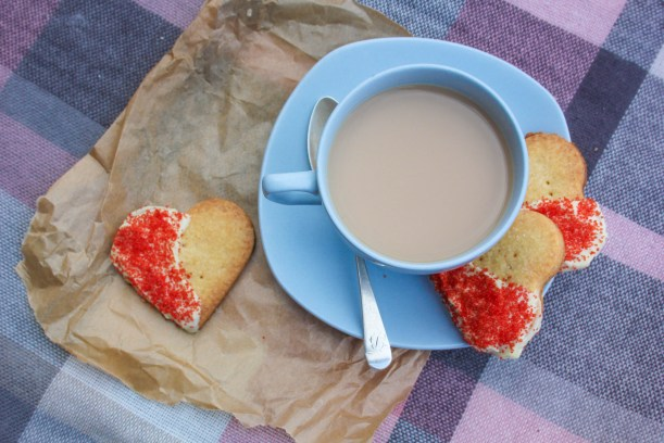 quick easy scottish shortbread biscuit recipe for valentines day or burns night-11