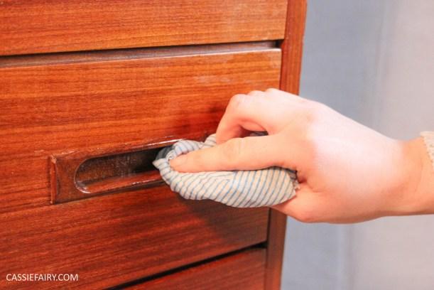 DIY how to repair teak furniture with household ingredients-5