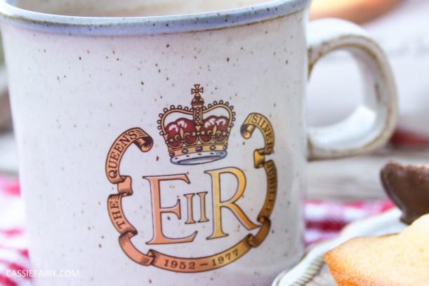 my favourite royal crest mug_