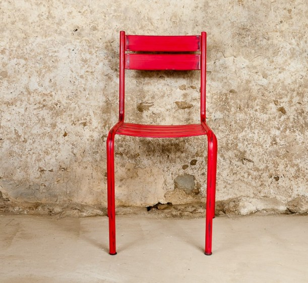 red colour industrial interior design decorating