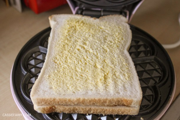 simple cheese toastie garlic bread recipe for waffle maker-2