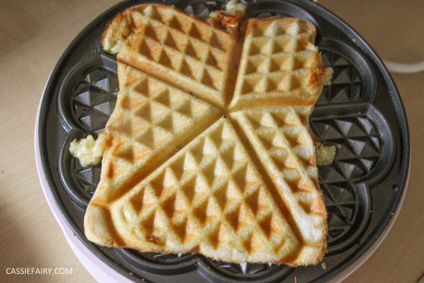 simple cheese toastie garlic bread recipe for waffle maker-4