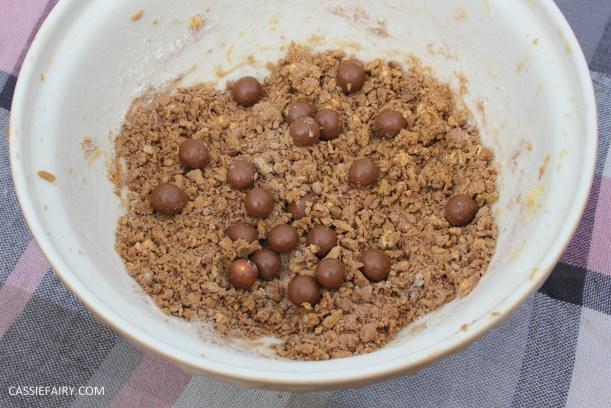 cassiefairy pieday friday blog recipe chocolate smarties cookies diy-3