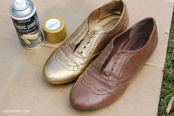 tuesday shoesday cassiefairy diy shoe makeover using fabric spray paint from rustoleum-15