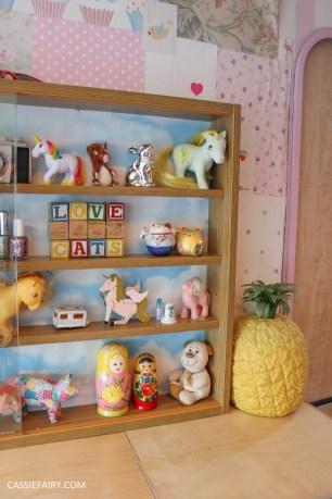 diy display cabinet makeover for vintage caravan_-12