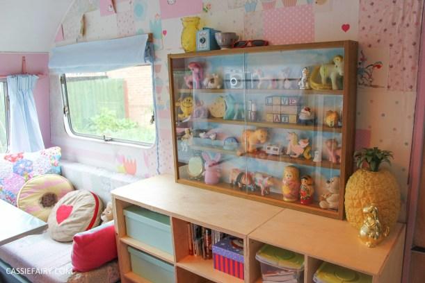diy display cabinet makeover for vintage caravan_-22