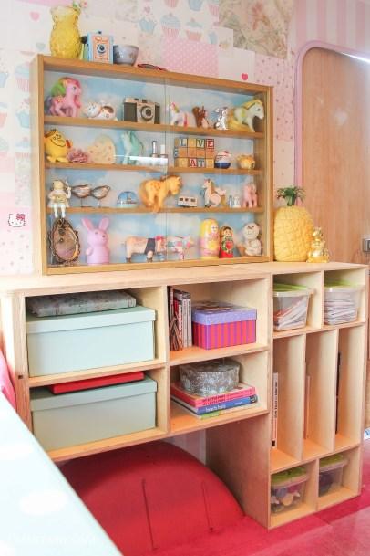 diy display cabinet makeover for vintage caravan_-24