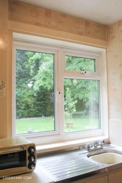sunny kitchen interior design inspiration blinds_