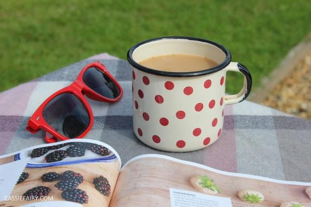 lifestyle inspiration - share serenity reading magazines tea-3
