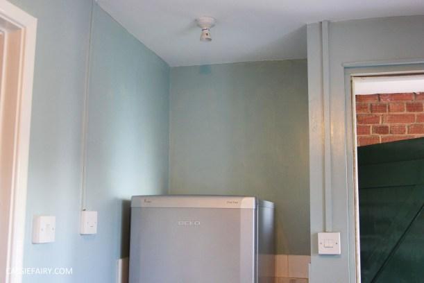 diy-interior-design-small-kitchen-makeover-storage-bathroom-unit-cupboard-recyce-upcycling-4