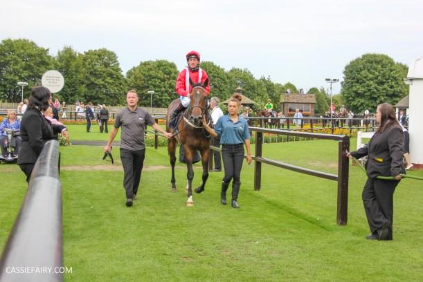 newmarket-racecourse-summer-saturdays-race-day-music-event-39
