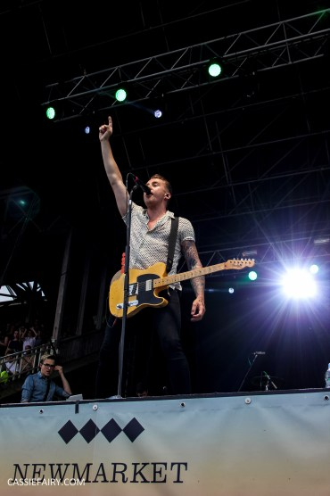 newmarket-racecourse-summer-saturdays-race-day-music-event-mcbusted-6