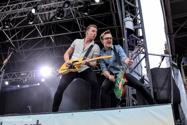 newmarket-racecourse-summer-saturdays-race-day-music-event-mcbusted-9