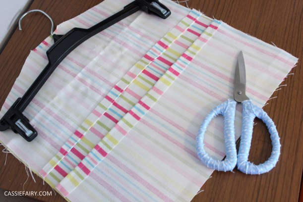 diy kitchen sewing projects peg bag and bag holder-6