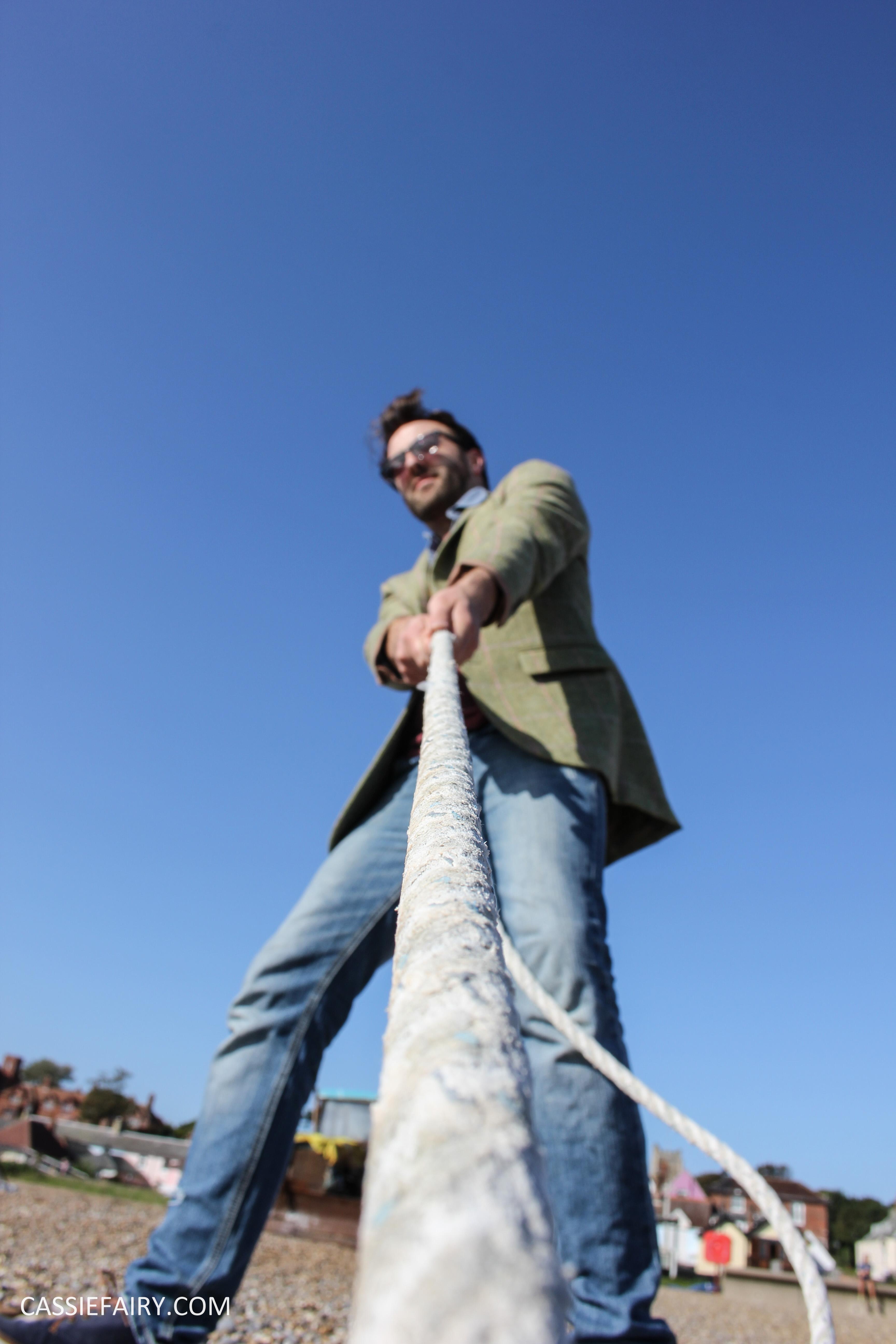 menswear mens fashion styling a tweed jacket casual beach autumn winter-21