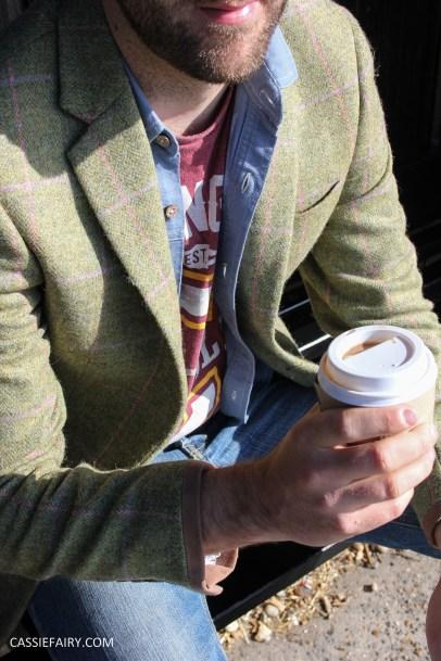 menswear mens fashion styling a tweed jacket casual beach autumn winter-7