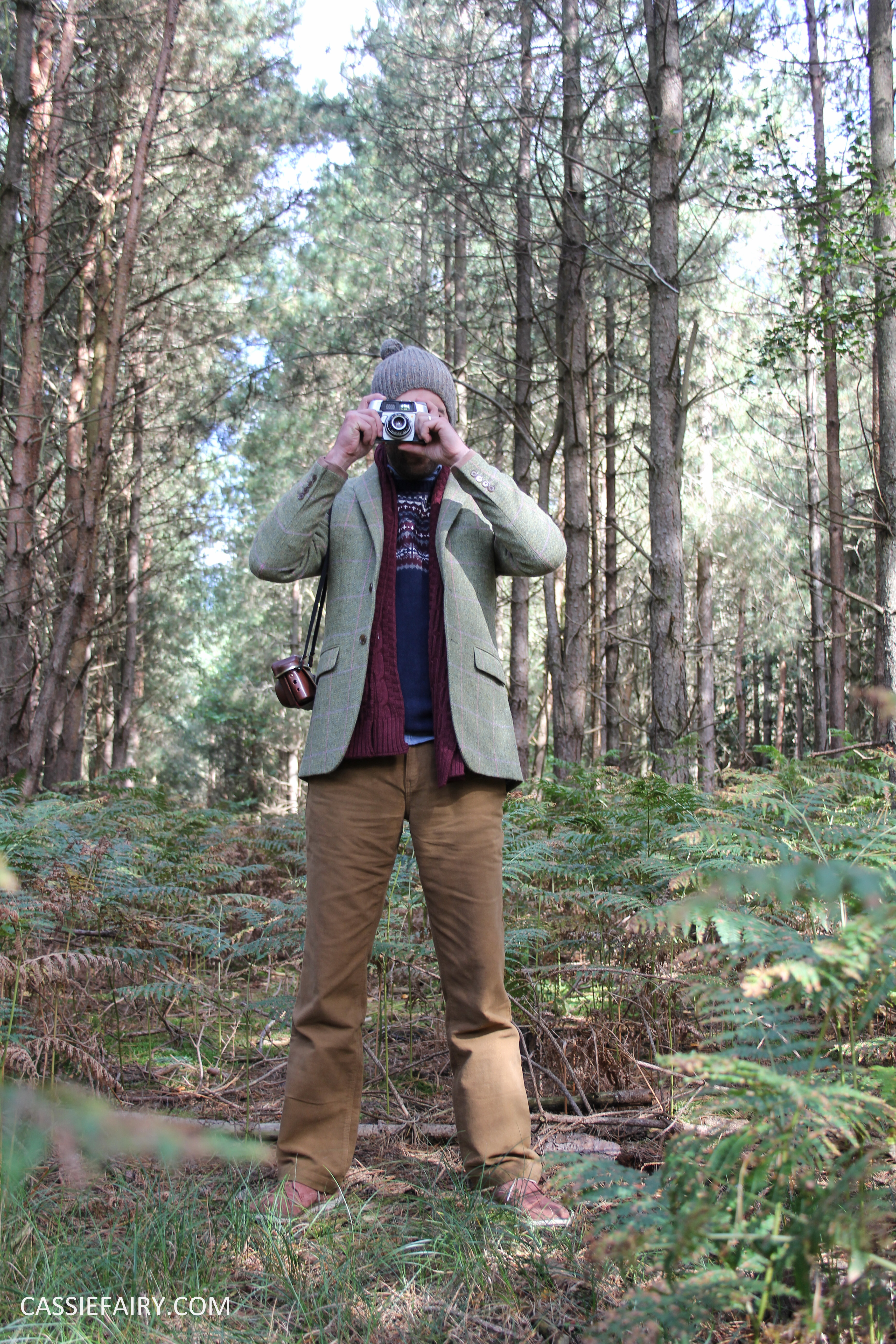 menswear mens fashion styling a tweed jacket layered warm outdoor forest autumn winter-3
