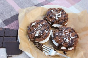 pieday friday baking recipe microwave meringues chocolate cookies-13